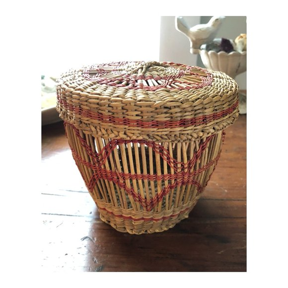 Vintage Boho Small Hand Woven Basket With Lid
